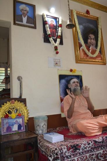 mohanjichronicles-Gopal Krishna Baba Poses-0