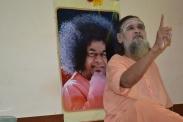 mohanjichronicles-Gopal Krishna Baba Poses-5